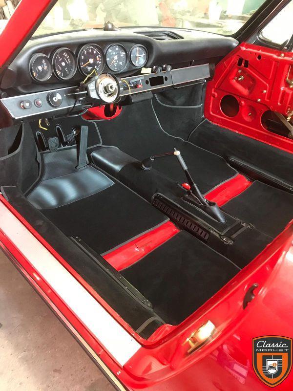 Porsche 911 2.4 MFI entièrement restaurée